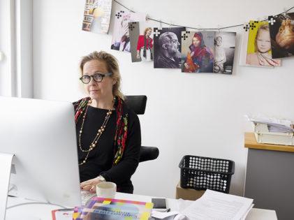 Kvinna i arbete